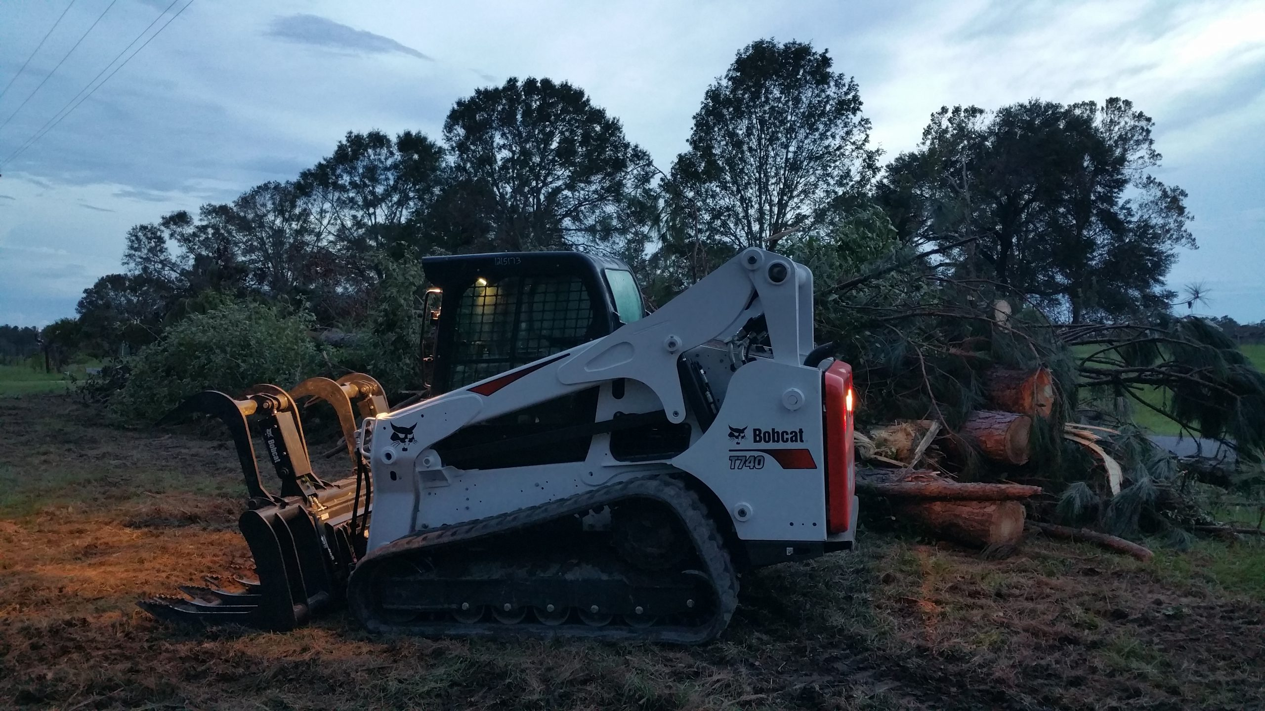 Track Loader Skid Steer Rental with Grapple